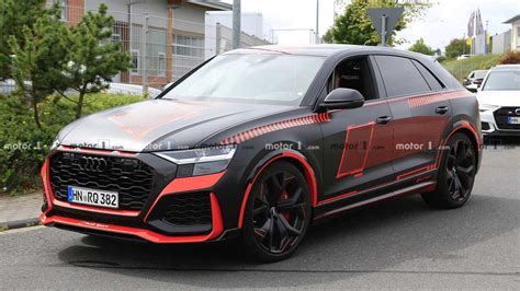 Audi RS Q8 spied completely uncovered with wild red accents
