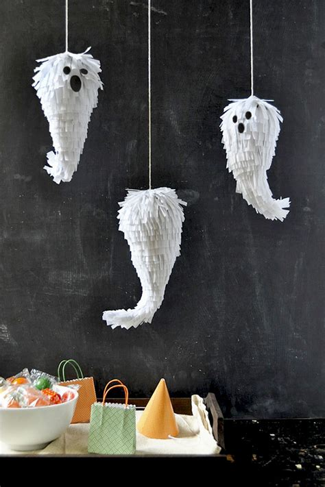 17 Easy Ways to Make a Halloween Piñata | Guide Patterns