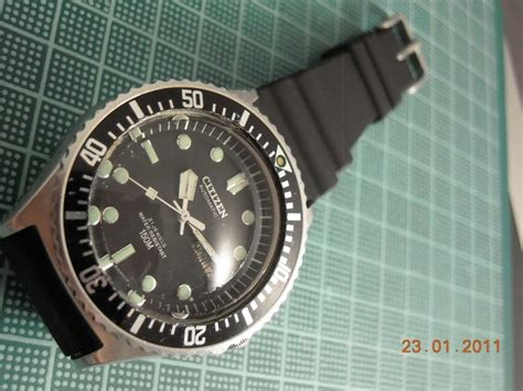 I Am WATCHing You: An Old Citizen Diver
