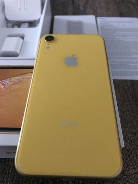 Apple iPhone XR - 64GB - Yellow (AT&T) Excellent Condition