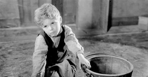Dickie Moore, Child Actor Known for a Screen Kiss, Dies at
