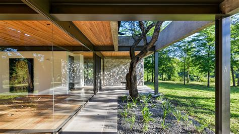 Concrete-and-glass house in Argentina is spare and