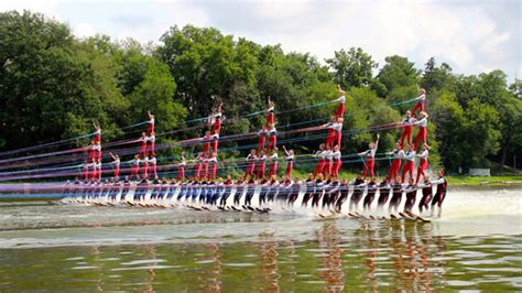 80-person water-ski pyramid attempts Guinness Book of