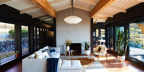 A Couple of Young Creatives Brings Their Mid-Century House